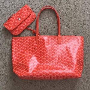 Handbags - Almost new orange bag. Good for everyday.